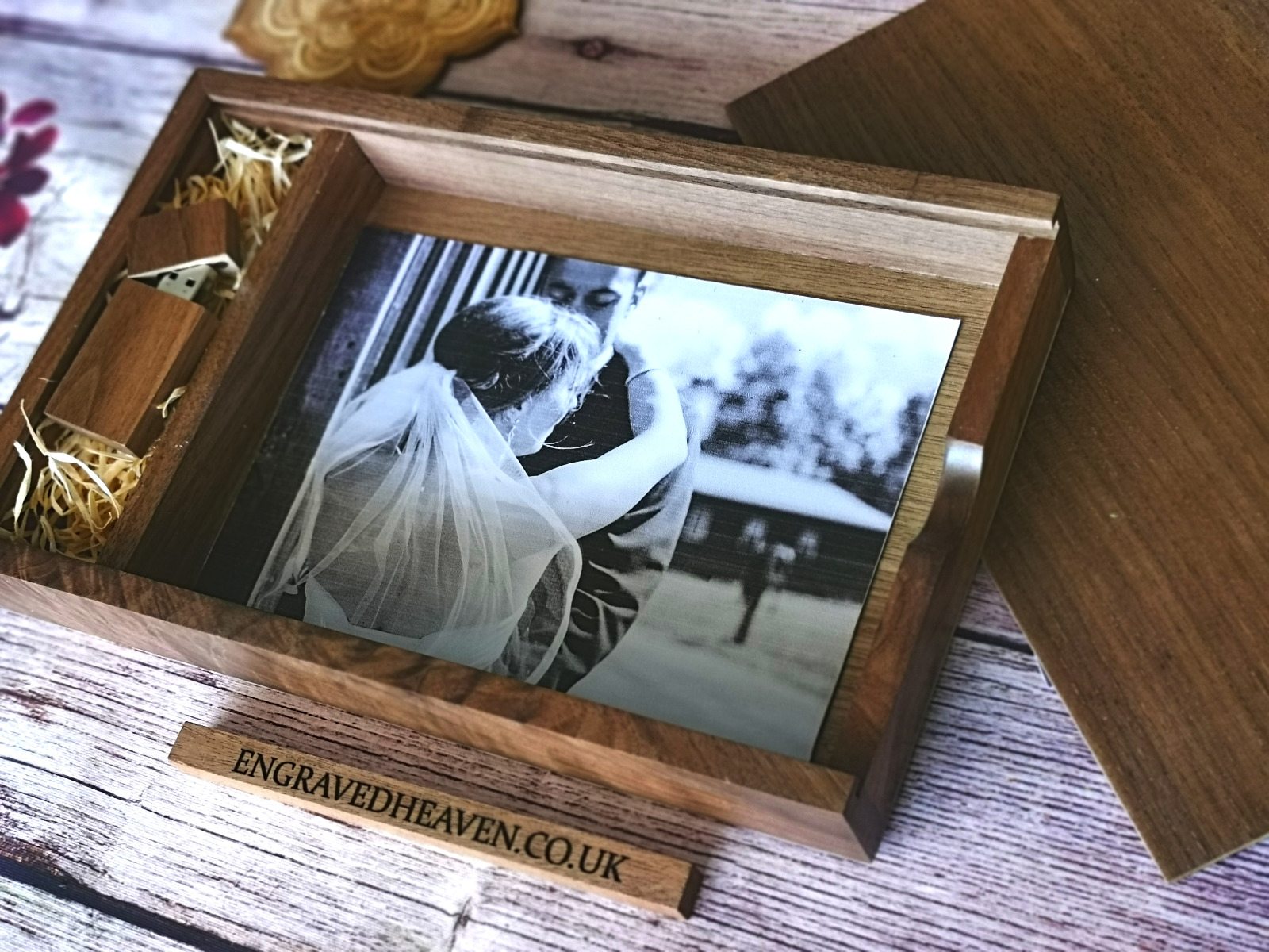 Personalised wooden photo album box for 7x5 inch photo prints with usb stick